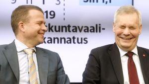 Petteri Orpo ja Antti Rinne Vaalitentissä Helsingissä.