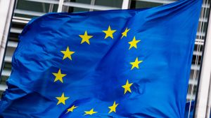 euroopan union lippu liehuu