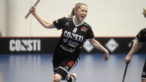 Jaana Lirkki kuvassa