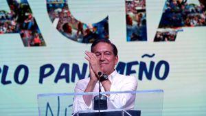 Laurentino Cortizo juhlii vaalivoittoa.
