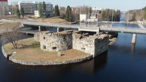 Ilmakuva Kajaanin linnanraunioista