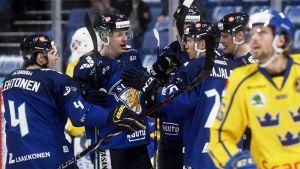 Suomen pelaajia Ruotsia vastaan LKS