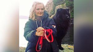 24-vuotias norjalainen oli lomalla ystäviensä kanssa, kun he löysivät koiranpennun kadulta. Koiralla oli raivotauti.