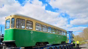 HKL:n vanha raitiovaunu sai uuden kodin Mikkelistä.