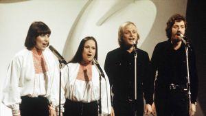 Agit Prop -kvartetti. Monna Kamu, Sinikka Sokka, Pekka Aarnio ja Martti Launis.