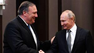 Venäjän presidentti Vladimir Putin tapasi Yhdysvaltain ulkoministerin Mike Pompeon Shotsissa tiistaina.