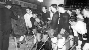Brighton Tigersin taktiikkapalaveri 1930-luvulla