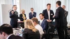 Hallitusneuvottelut 16. toukokuuta. Elinvoimainen Suomi -työryhmä.