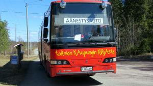 Äänestysauto Tornion Aapajärvellä