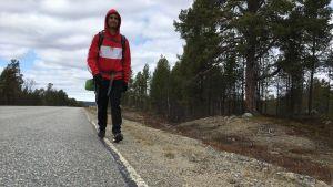 Kristian Muthugalage matkalla läpi Suomen.