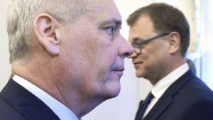 Hallitustunnustelija, SDP:n puheenjohtaja Antti Rinne ja Juha Sipilä.