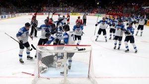 Suomi juhlii Venäjää vastaan
