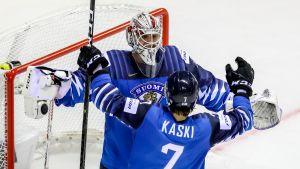 Kevin Lankisella ja Oliwer Kaskella on riittänyt aihetta tuulettaa Slovakian MM-turnauksessa.
