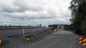 Vuoteensalmen uusi silta Laukaan Vuonteella.