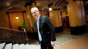Antti Rinne saapumassa hallitusneuvotteluihin Säätytalolle Helsingissä.