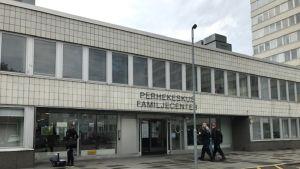 Kallion perhekeskus on rakennettu entisen Kallion terveysaseman ja neuvolan tiloihin.