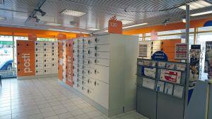 Smartpost-automaatteja Mikkelin Postin tiloissa.