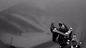 Sukellusrobotti tutkimassa hylkyä Tiutisen itäpuolella.