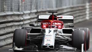 Monacossa vauhtiinsa pettynyt Kimi Räikkönen oli hyvässä vedossa Montrealin ensimmäisissä harjoituksissa.