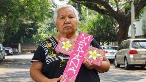 Viimeisen yhdeksän vuoden aikana Irinea Buendíasta on muodostunut naismurhia vastaan taisteleva aktivisti. Paikallinen taiteilija maalasi tytär Marianan nimeä kantavan ristin.