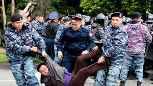 Mielenosoitukset johtivat pidätyksiin Kazakstanissa.