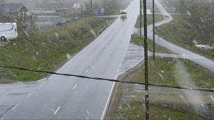 Kelikameran kuvaa tie 21, Kilpisjärveltä 10. kesäkuuta klo 9.00.