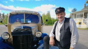 Olavi Nenosen häkäpönttöauto on vuodelta 1935.