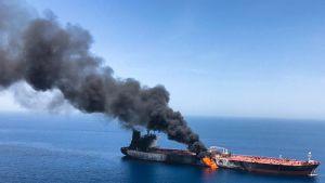 laiva tulessa