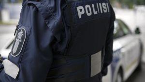 Poliisi.