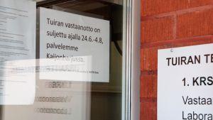 Oulun Tuiran terveysasema sulki ovensa juhannuksen jälkeen ja palvelut siirerttiin Kaijonharjun terveysasemalle.