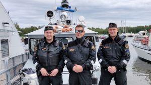 Kuvassa Tomi Kivelä, Tomas Granlund ja Terho Kinnari