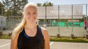 Tennispelaaja Monica Malinen Oulun Nallisportissa.