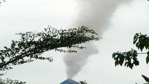Tuhkaa purkautuu Ulawun-tulivuoresta Papua-Uudessa-Guineassa.
