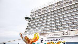 Norwegian Getaway -risteilyalus Helsingissä