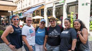 Texasin Austinista matkannut naisporukka kehui Lyonin kisatunnelmaa ja ruokatarjontaa.