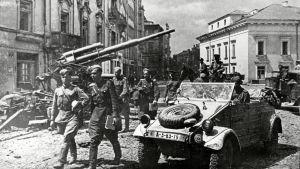 Neuvostojoukkoja Vilnassa 1944.