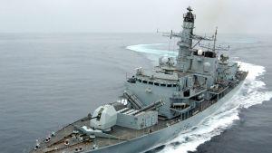 Kuninkaallisen laivaston fregatti HMS Montrose.