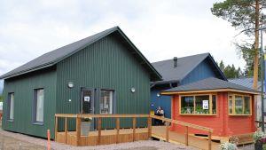 Vanhuksille tarkoitetut Lapinjärvi-talot.