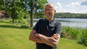 Mestarijuoksija Lasse Vireniä nauratti muutamaa päivää ennen hänen 70-vuotissyntymäpäiväänsä.
