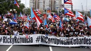 Tuhannet puertoricolaiset protestoivat 22. heinäkuuta San Juanissa.