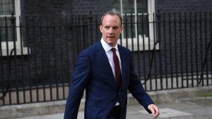 Dominic Raab saa paikan, jota Johnson piti Mayn hallituksessa: hän nousee ulkoministeriksi.