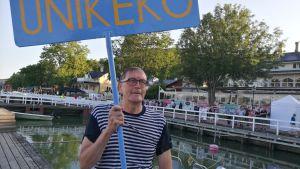 Vuoden 2019 virallinen Unikeko on Markku Tuuna.