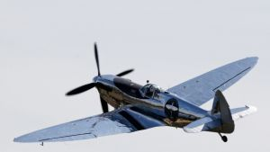 Spitfire-hävittäjä nousi maanantaina jälleen siivilleen Chichesterin kaupungin lähellä Etelä-Englannissa.