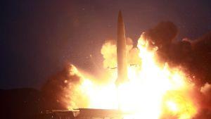 Pohjois-Korea virallisen uutistoimiston välittämä kuva ohjuskokeesta.