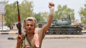 Separatistit valtasivat Adenissa armeijan rakennuksia ja ottivat haltuunsa aseita lauantaina 10. elokuuta 2019.