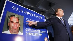 Syyttäjä Geoffrey Berman puhui tiedotustilaisuudessa, jossa käsiteltiin Jeffrey Epsteinin pidätystä New Yorkissa 8. heinäkuuta.