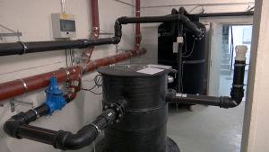 Laite, joka ottaa lämmön talteen jätevedestä.