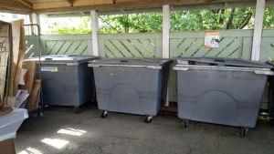 Roskiskatos, muovin kerääminen