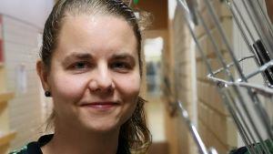 Emmi Fjällström työskentee etsivässä nuorisotyössä Juvalla.