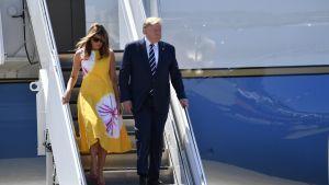 Yhdysvaltojen presidentti Donald Trump ja ensimmäinen nainen Melania Trump saapuivat Biarritzin G7-kokoukseen.
